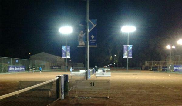 Tenis Se Renueva Iluminacion De Canchas De Tenis Por Leds Jockey - Iluminacion-por-leds